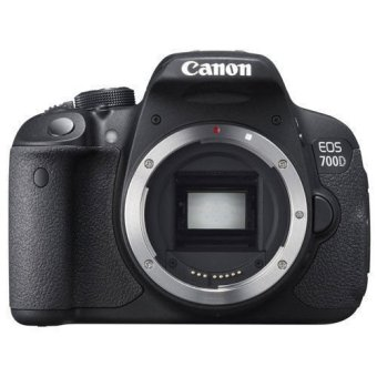 Canon EOS 700D body(Black) with EF-S 18-200mm IS Lens Kit