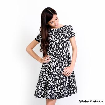 Blacksheep Daisy Printed Skater Dress With Regular Sleeves (Black)