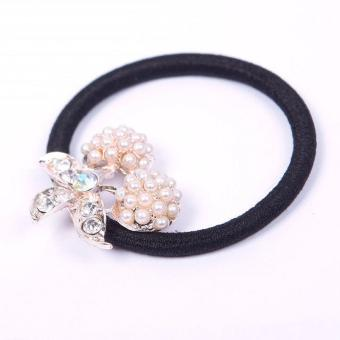 BUYINCOINS Crystal Pearl Hearts Flower HairBand (White) - picture 2