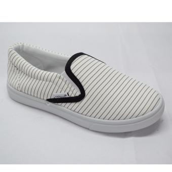 Crissa Steps Slip-on shoes (White)