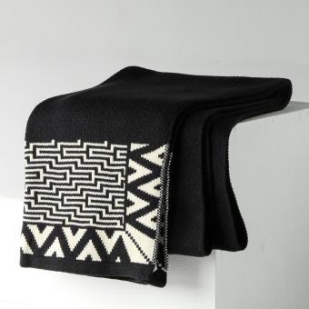 Kultura Ladies Center Puzzle Piña Scarf (Black with White)