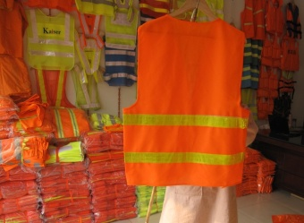 At night reflective strips with shining vest reflective vest