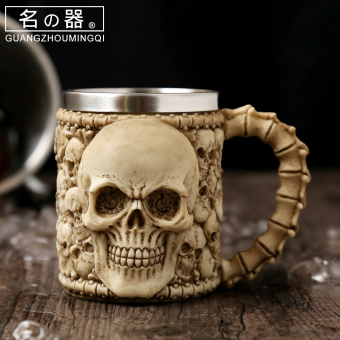Classic big skull head drink cup chicken tail wine cup