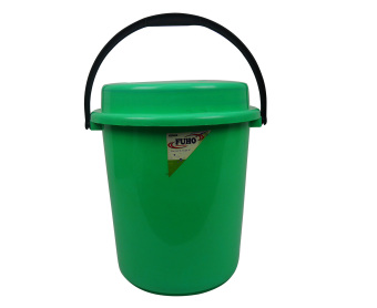 Green Fuho Pail w/ cover and plastic handle 511 6 gal. Green 92403