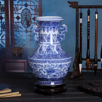 Jingdezhen porcelain blue and white ceramic vase