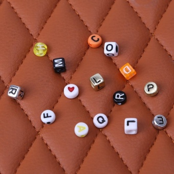 1 Set Acrylic Letters Beads Set Crafts DIY Alphabet Beads (ForJewelry) - intl - 4