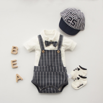 Cotton male and female newborns out clothes onesie