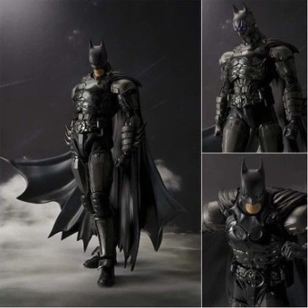 Free Shipping Bandai SHF Batman not Yi Union injustice can be moving figurine entity spot goods