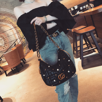 AI Amoy European and American New style pearl chain shoulder bag Shishang women's bag (TX433 New Moon bag _ BLACK)