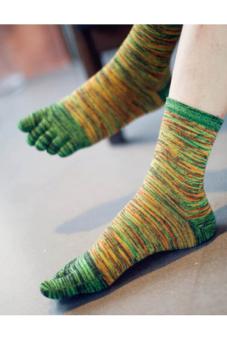 Buytra Men Five Finger Toes Socks Sport Casual Retro Green