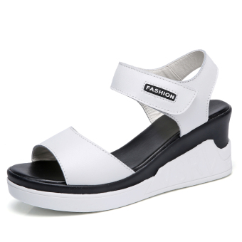 Casual flat thick bottomed Korean-style sandals (White)