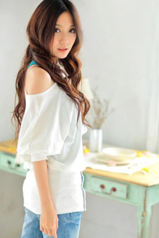 Cyber Sexy Women One Shoulder Long Sleeve T Shirt Blouse ( White ) - picture 2