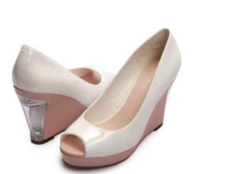 Daphne fashion high-heeled casual shoes spring models shoes (White 101)