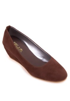 Doll Me Up Shoes Simply Russet Wedges (Brown)