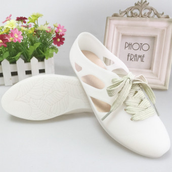 Female flat sandals (White)