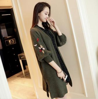 JOY Korean version of the long section of loose embroidery cardigansweater lantern sleeve slit pocket (Green) - 2