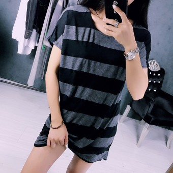 Loose Korean-style cotton black and white female short-sleeved Top T-shirt
