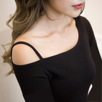 Off-the-shoulder T-shirt long-sleeved Top (Black long-sleeved)