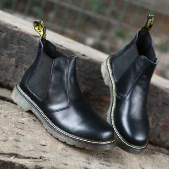 Outdoor leather tooling Desert boots Dr. Martens (Black)