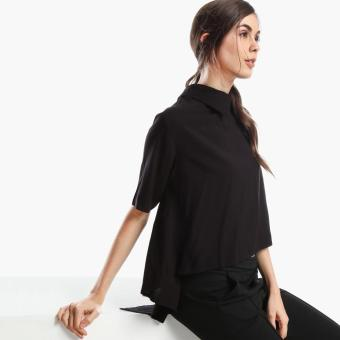 SM Woman Short-Sleeved Blouse (Black)