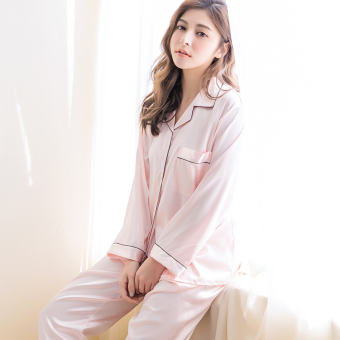Spring and Autumn model silk pajamas (CX sweet powder)