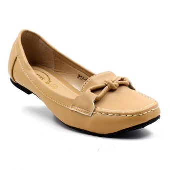 Tokkyo Shoes Women's Jessica 912-A100 Loafers Shoes (Beige)