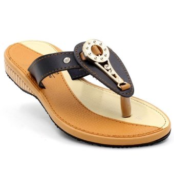 Tokkyo Shoes Women's Pamela Flat Sandals (Black)