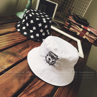 Ulzzang Korean version of summer men and women sun hat bucket hat (Black and white double-sided cat)