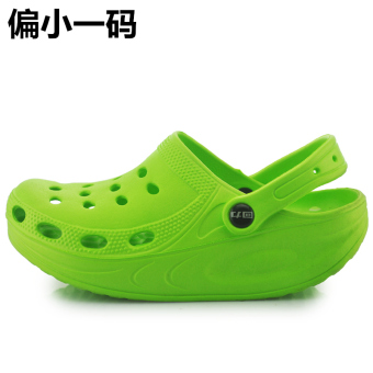 Warrior comfortable breathable Porous Plastic shoes porous shoes (2 green Partial small one)