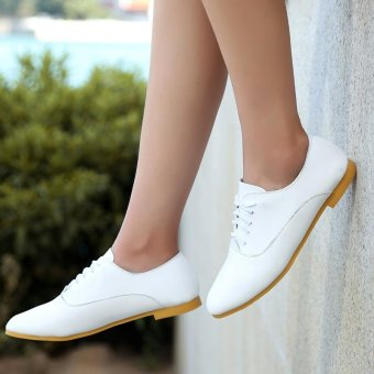 White Women's Casual Perforated Lace-Up Leather Student Flat Shoes - intl