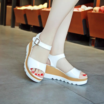 Women's Korean-style Cute Platform Middle Heel Sandal (White)
