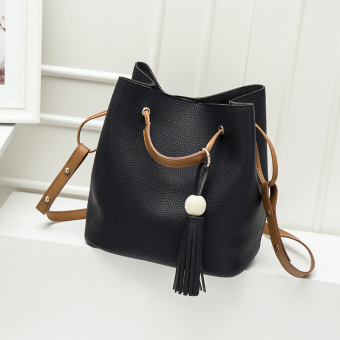 Women's Korean-style Tassel Shoulder Crossbody Bucket Bag (Black)