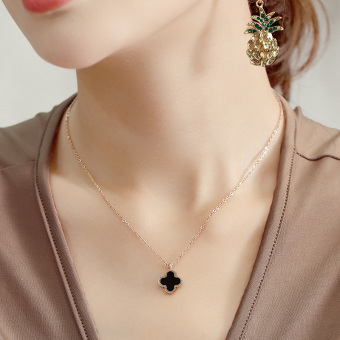 18k simple Japanese and Korean style elegant four-leaf clover necklace