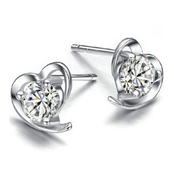 925 sterling silver heart-shaped stud