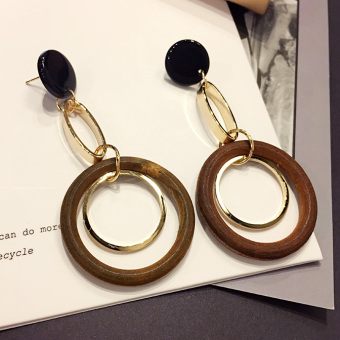 Cool versatile exaggerated earrings
