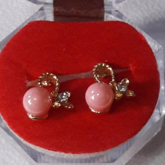 Earring with 4 petals & Peach pearl stone design  hypoallergenic with crystal case