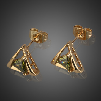 Hot New 18K Gold Plated Triangle Shape Insert Green Crystal Stud Earrings (Intl) - picture 2