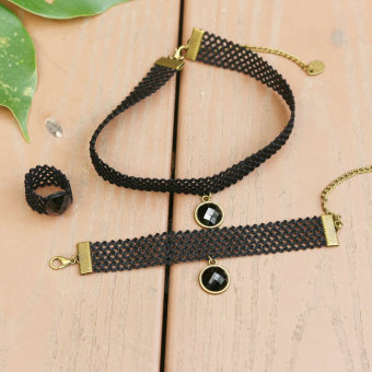 Japan and South Korea black new stretch necklace