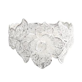 New A Valentine's Gift Fashionable Flower Bracelet - INTL