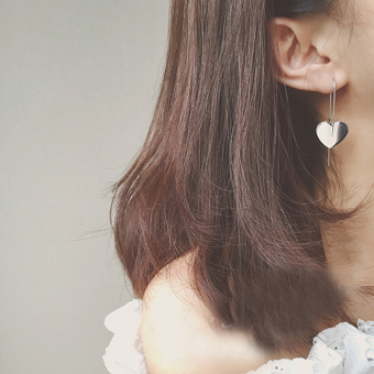 Retro brushed small love lovely stud ear ring