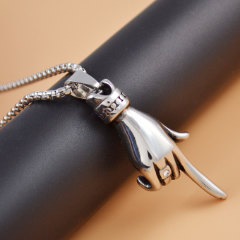Silver edge treasure versatile finger sweater necklace