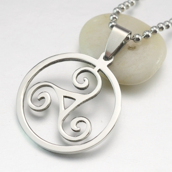 Silver Tone Stainless Steel Triskelion Triskele Round PendantNecklace Free Chain 60CM Long - Intl