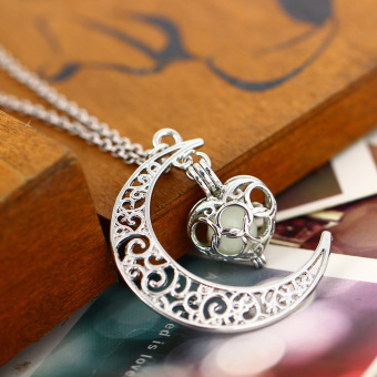 Women Love Pendant Necklace Moon and Heart Pattern Fashion Jewellery Accessories (Deep Blue) - 5