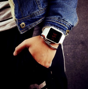 Yumite Korean novel new luminous square table men and women trendstudents LED electronic watches couple watches